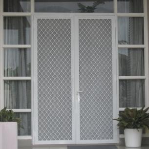 Contoh Pintu Kawat Nyamuk Besi dan Alumunium ~ KUSEN ALUMINIUM