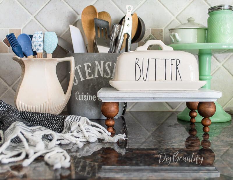 farmhouse riser on kitchen counter