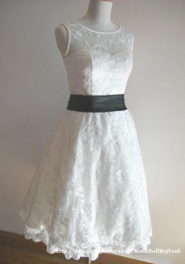 BabyBlueDream: Ivory Lace Knee Length Vintage Wedding Dress