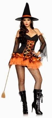 Foto de bella mujer con disfraz de bruja con corset color negro y anaranjado