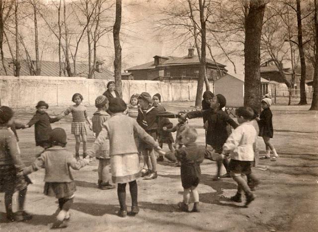Уничтожение русских кладбищ. Детский парк на месте Лазаревского кладбища