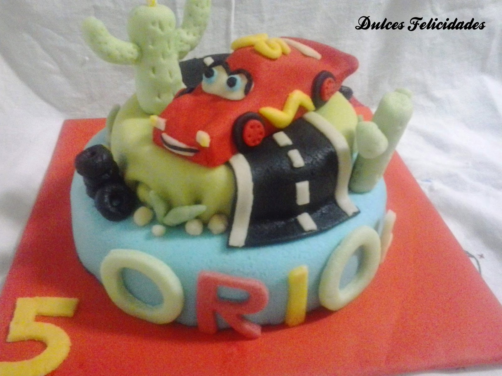 Tarta fondant Cars (Rayo Mcqueen)