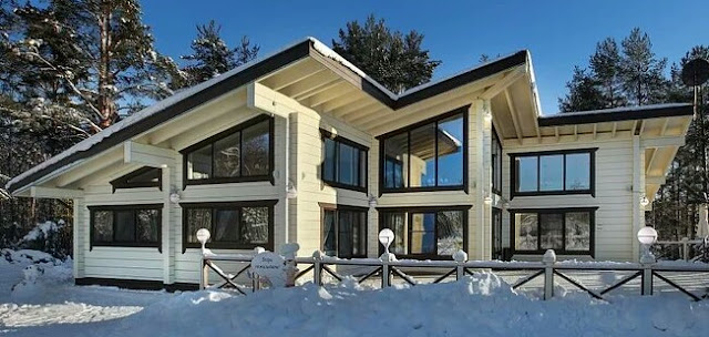 Panoramic glazing is a characteristic feature