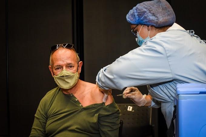 Con la llegada de más de 82.000 dosis, Medellín habilita nuevo punto de vacunación masiva