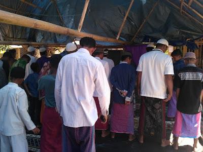 Shalat Jum'at di Dusun Waiburak, Pulau Adonara.