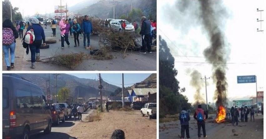 LA HUELGA CONTINÚA: Maestros bloquean principales vías de acceso y salida del Cusco