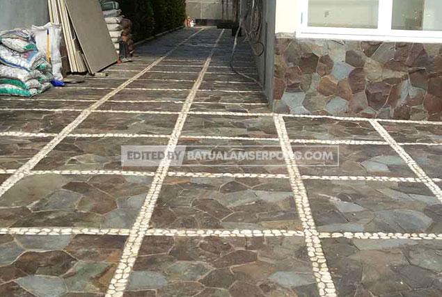 pemasangan batu alam templek untuk lantai