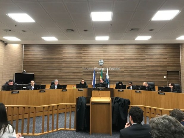 Tribunal Regional Federal libera funcionamento de igrejas e lotéricas em todo o Brasil