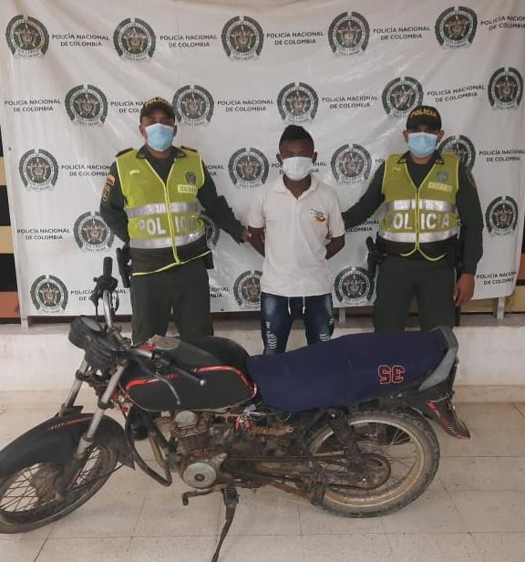 hoyennoticia.com, Sorprendido en Manaure con una moto robada