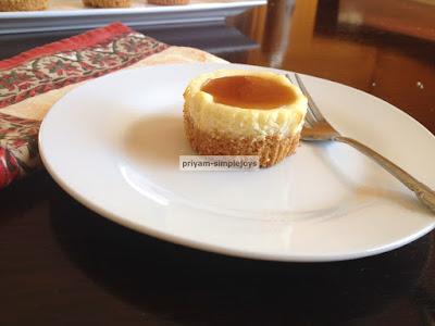 http://priyam-simplejoys.blogspot.com.es/2014/12/cheesecake-cupcake.html?spref=pi