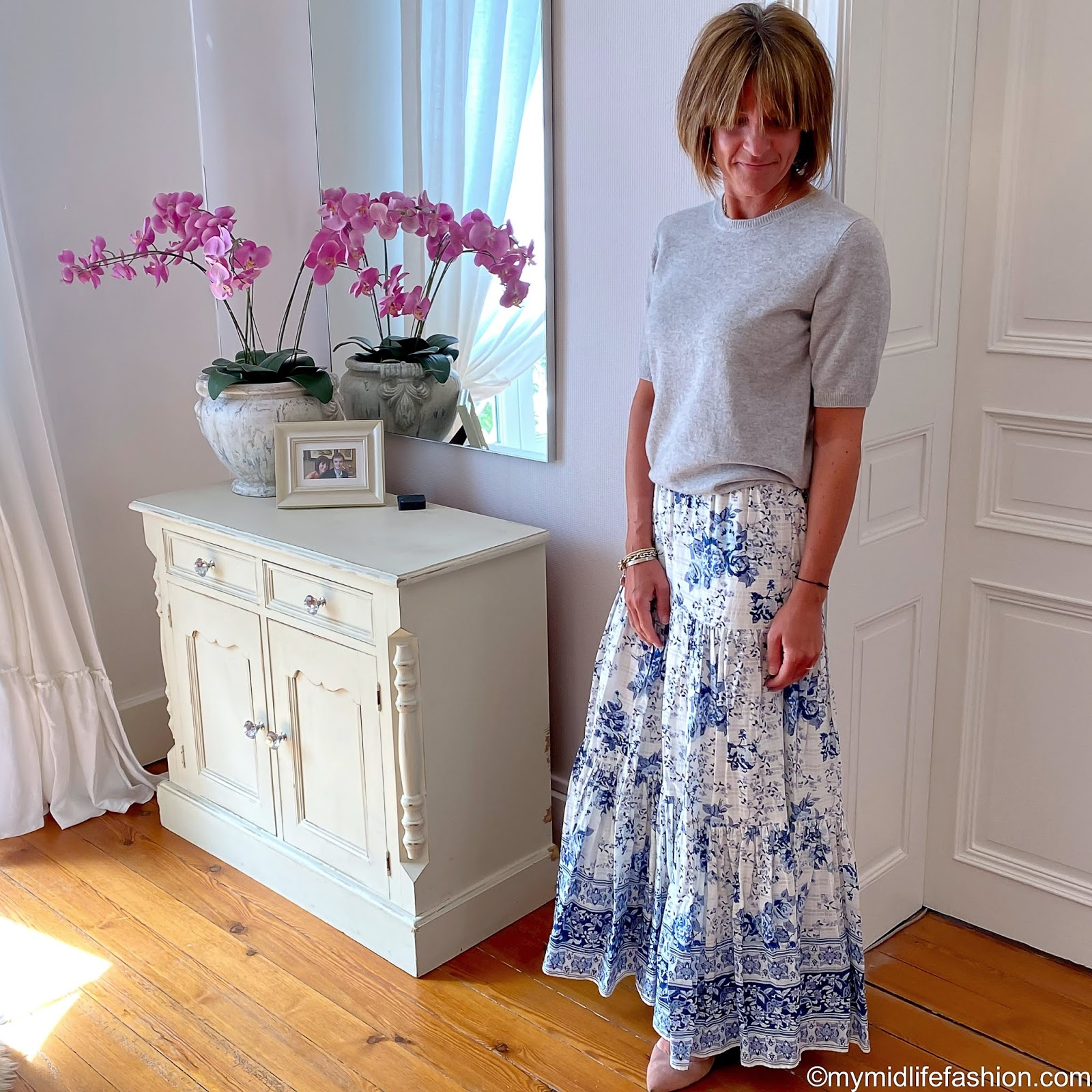 my midlife fashion, marks and Spencer pure cashmere short sleeve crew neck jumper, zara midi skirt, h and m nude ballet pumps