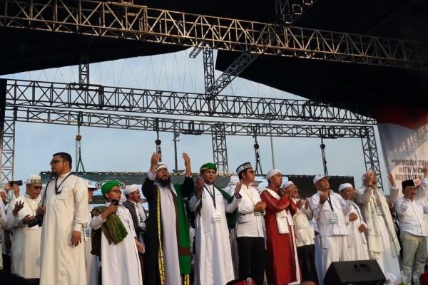 Doa untuk Habib Rizieq dari Massa 212