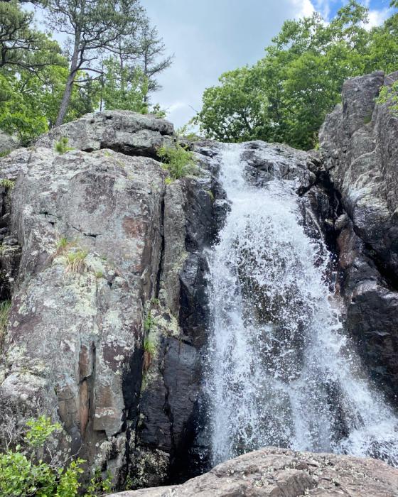waterfall hikes near saint louis