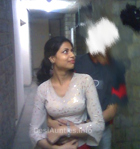 indian girl pussy in toilet image
