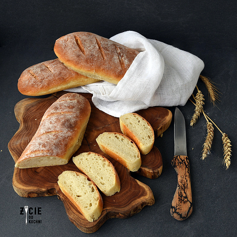 bagietki, bagietki na zakwasie, domowe pieczywo, jak uiec bagietki, bagietki pszenne, bagietki na zapiekanki, dom chlebem pachnacy, pieczywo domowe