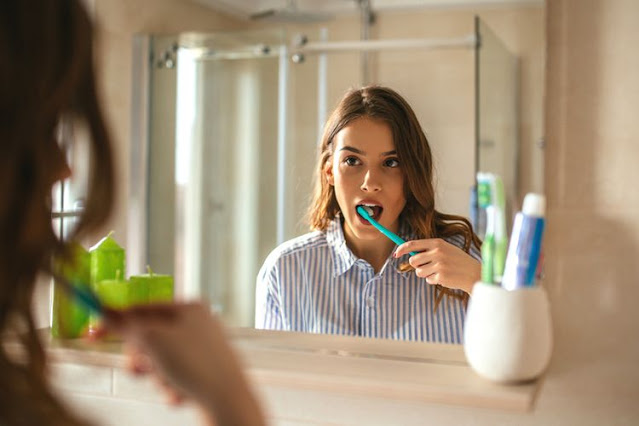 Bahaya Langsung Sikat Gigi setelah Makan
