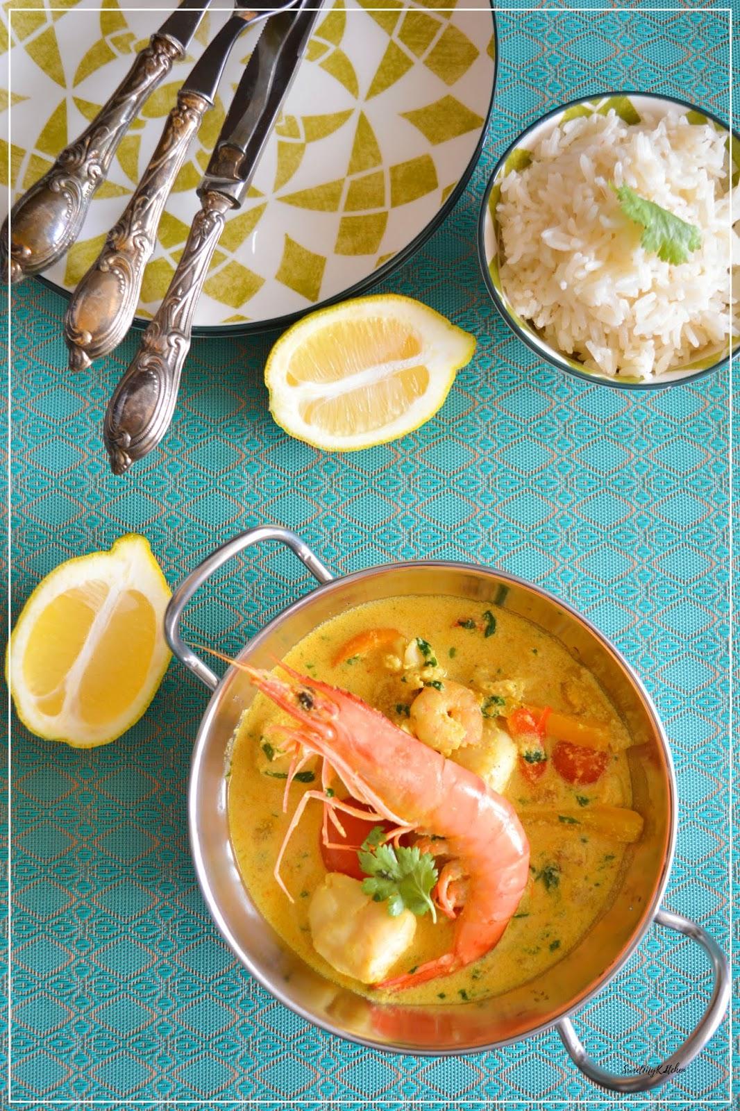 Caril de peixe e camarão