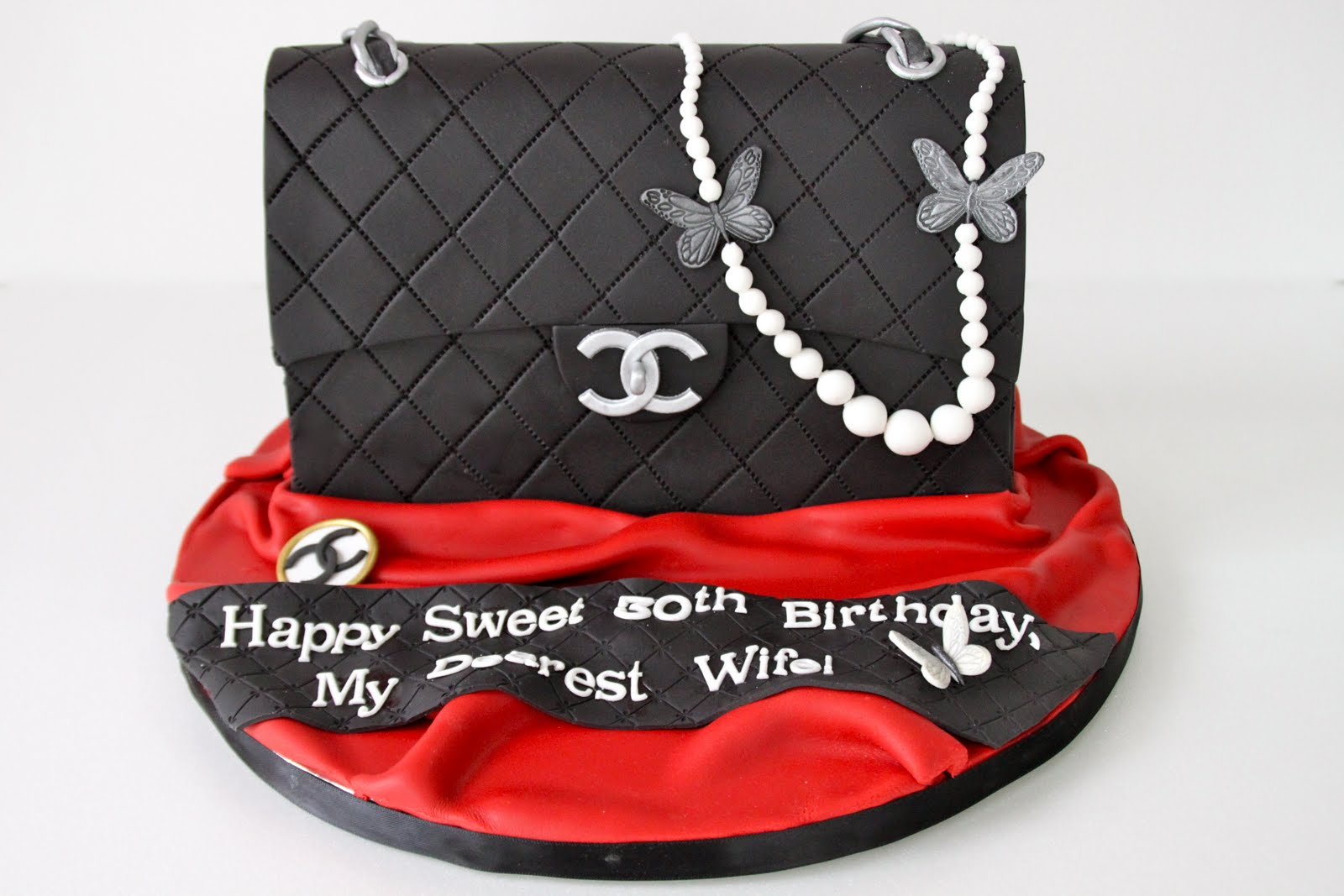 Chanel Bag Cake with Pearls c0ef2787c6f68