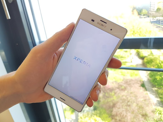 sony xperia z3 preview with android nougat