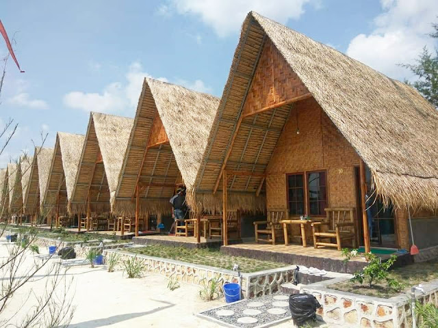 kamar yang di sewakan di Pantai Madu Tiga Trikora Bintan