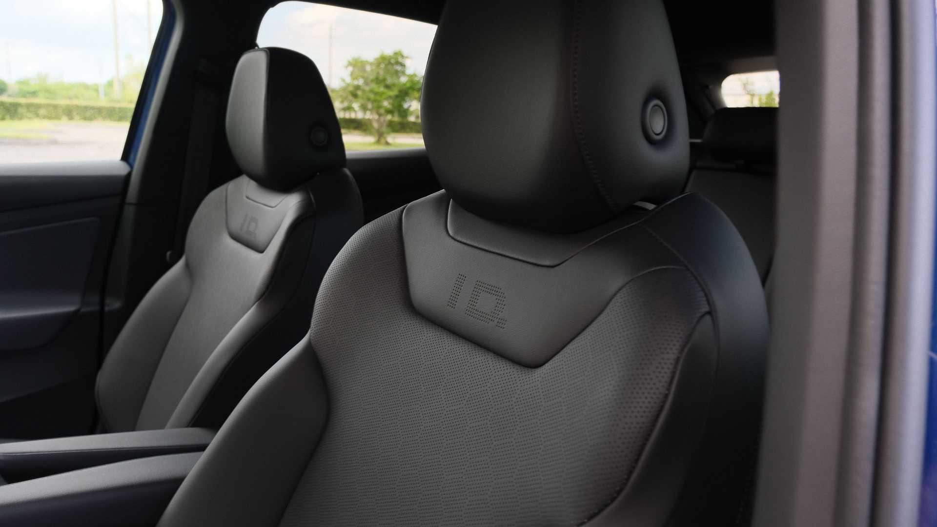 فولكس واجن آي دي. 4 الإصدارة الأول 2021 - تصمم لمقاعد الأمامية