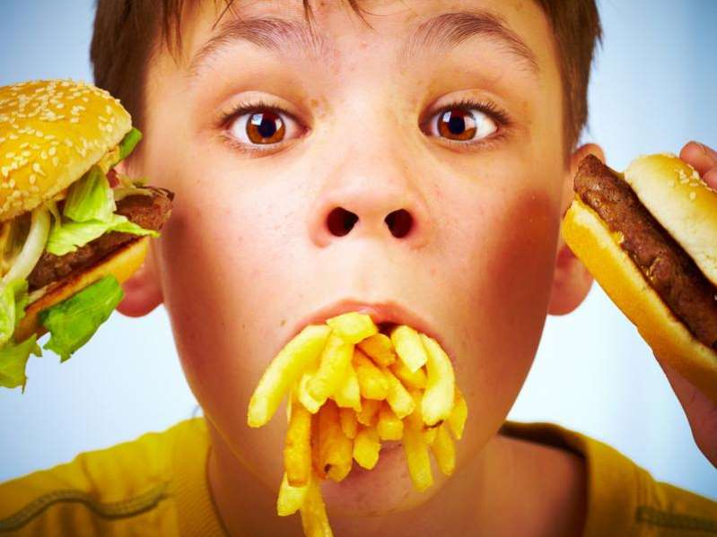 The dangers of fast food for your child and solutions to avoid