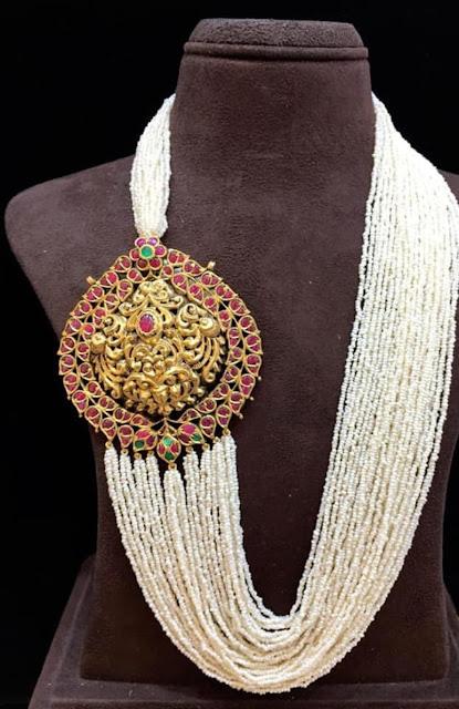 Small Pearls Layers set with Kundan Locket