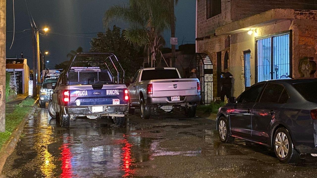 Ejecutan a 4 hombres y a un Policía en Tlajomulco de Zúñiga; Jalisco, tras enfrentamiento detuvieron a 4 agresores