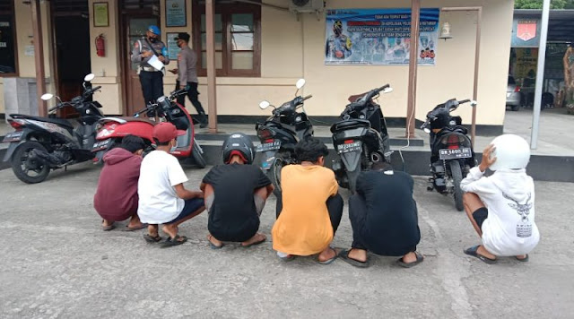 Pelaku Balap Liar di Mataram tepatnya di  Jl Lingkar Selatan saat diamankan Polisi