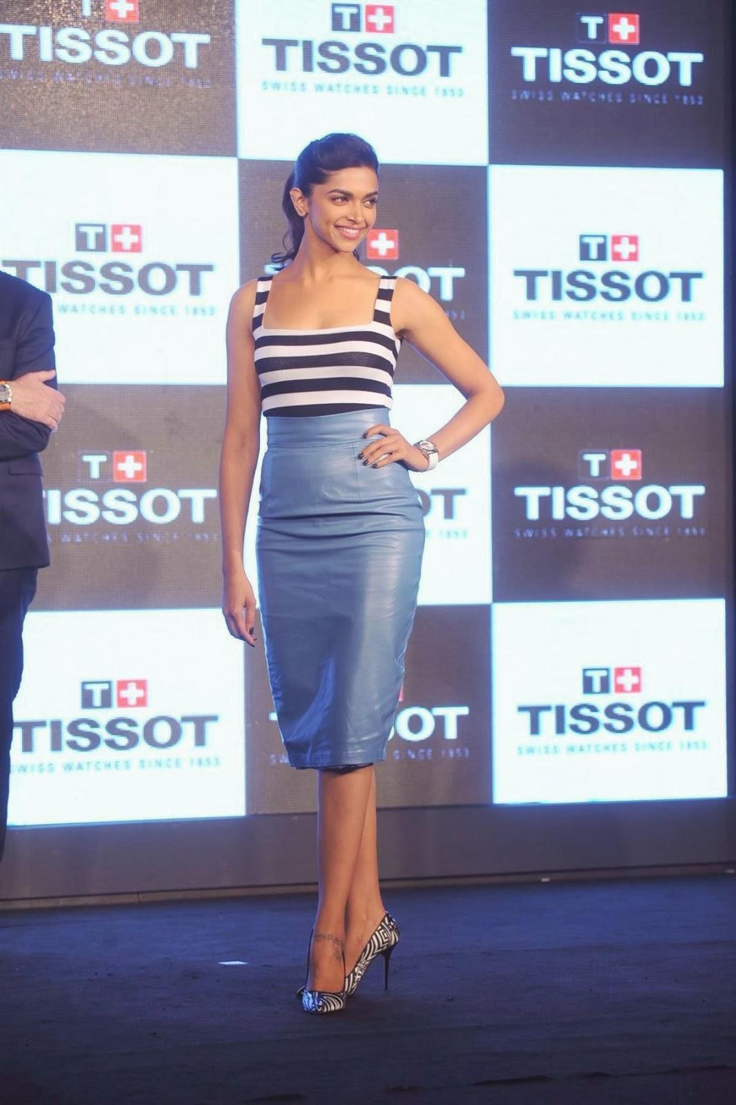 Deepika Padukone hot Mini Skirt Photos - HIGH RESOLUTION ...