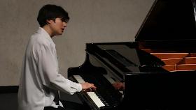 Kimiko Ishizaka performing Bach's 'The Art of Fugue' in Cologne