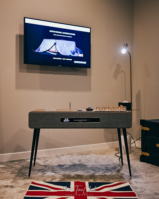 Ruark Audio R7  - Radiogram with well-integrated clas A-B amplifier