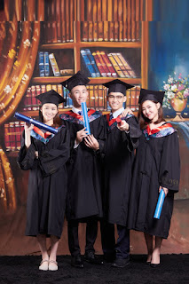 Jia Qi Graduation Portrait