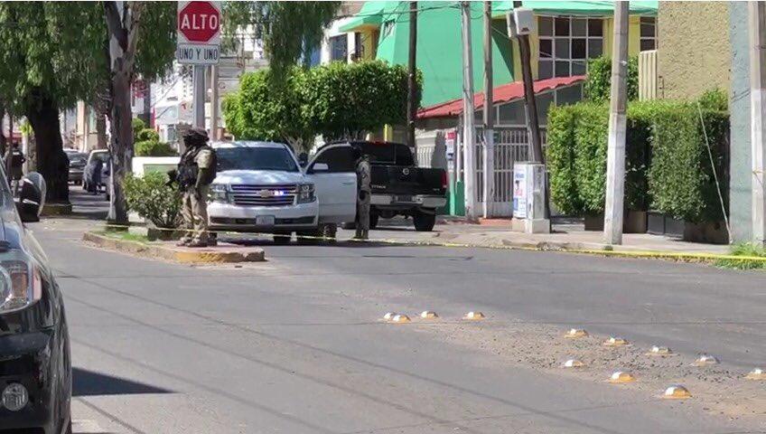 En Celaya:Guanajuato, Ministeriales persiguen y detienen a Sicarios que momentos antes habían ejecutado a una persona