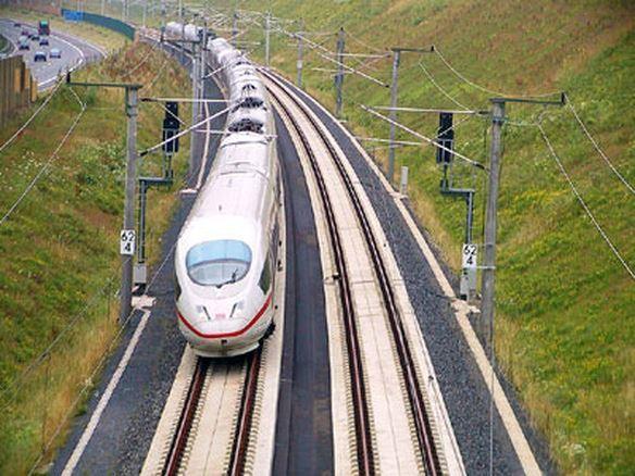Vốn cho đường sắt cao tốc Bắc-Nam: Cần phải tính đến cả món nợ quốc gia!