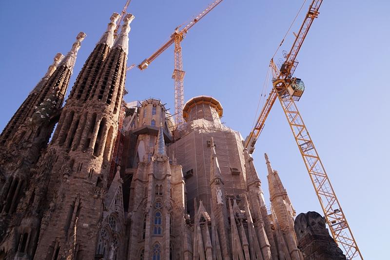 Sagrada Familia Gaudi Barcelona Kathedrale Fassade Sommerurlaub Spanien Sehenswürdigkeiten Reisetipps