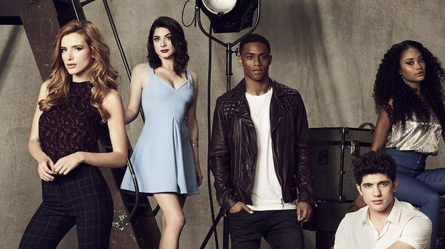 Reparto de 'Famous in Love'.