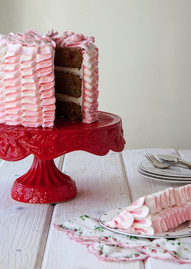Le Ruffle Cake Ombré | Gâteau glaçage façon rubans | via BirdsParty.fr