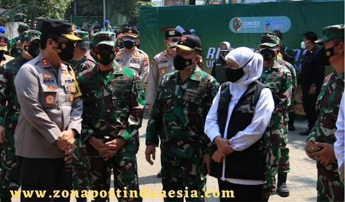 Panglima TNI Apresiasi Kolaborasi Tim Nakes, Babinsa dan Bhabinkamtibmas Saat Kunjungan di Jatim