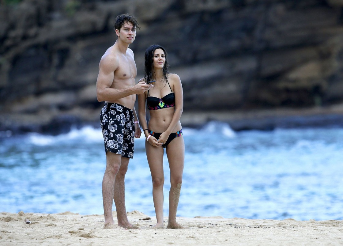 Victoria Justice under the sun with beach ready body during vacation with Pierson Fode