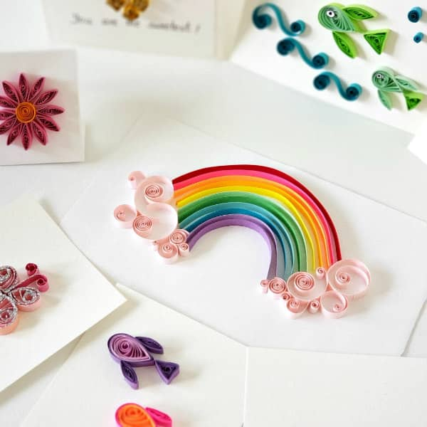 colorful, cute example projects included in beginner's quilling kit
