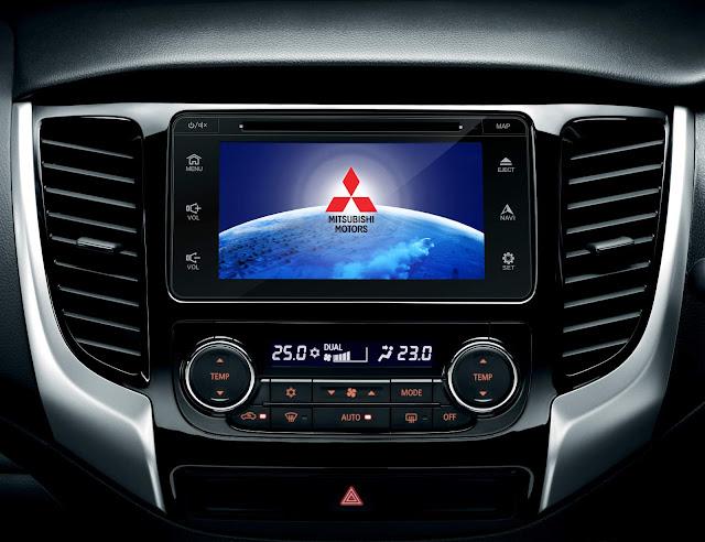 Mitsubishi L200 Sport 2017 - interior