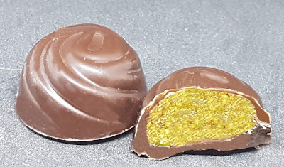 https://sandyskitchendreams1.blogspot.com/p/marzipan-pistazien-pralinen.html