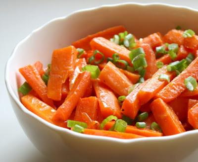 Cenouras Glaceadas com Cebolinha (vegana)