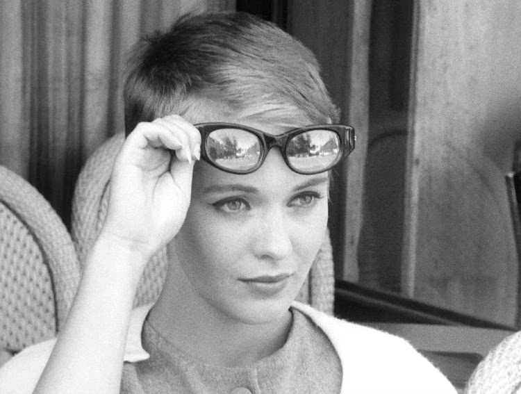 A Vintage Nerd Classic Film Review Breathless 1960 Jean Seberg French Films Vintage Blog Movie Recommendation 1960s Films Old Hollywood 1960s