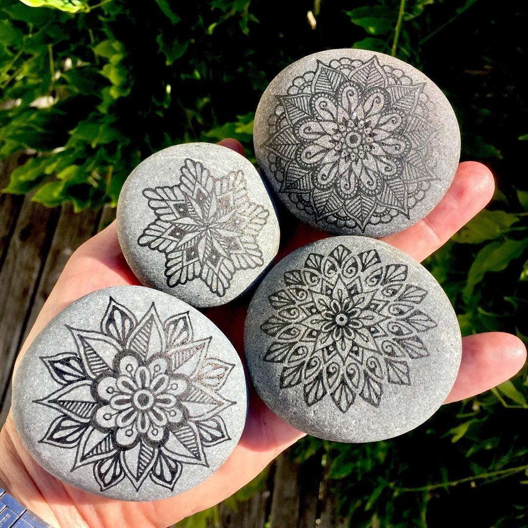 10-Mike-Pethig-Precise-Hand-Drawn-Stone-Mandala-Drawings-www-designstack-co