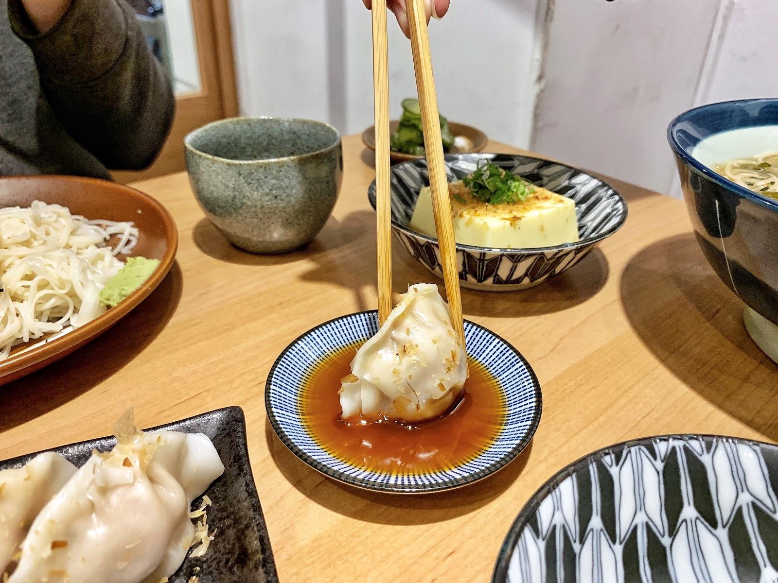 台南美食【胡攪蝦餃 金華店】鮮蝦餃子