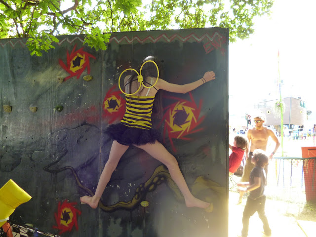 bee on a wall glastonbury festival 2013