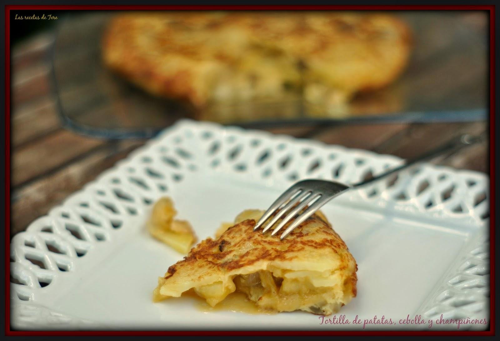 Tortilla de patatas, cebolla y champiñones 07