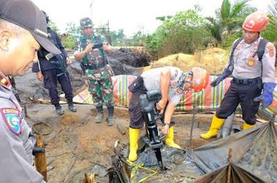 Pada H 7 Tim Satgas Gabungan Polda Jambi, telah Tindak 1300 Sumur Minyak Ilegal Yang Dilakukan Penutupan
